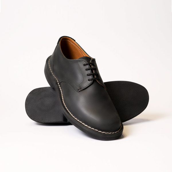 assegai shoe black front view