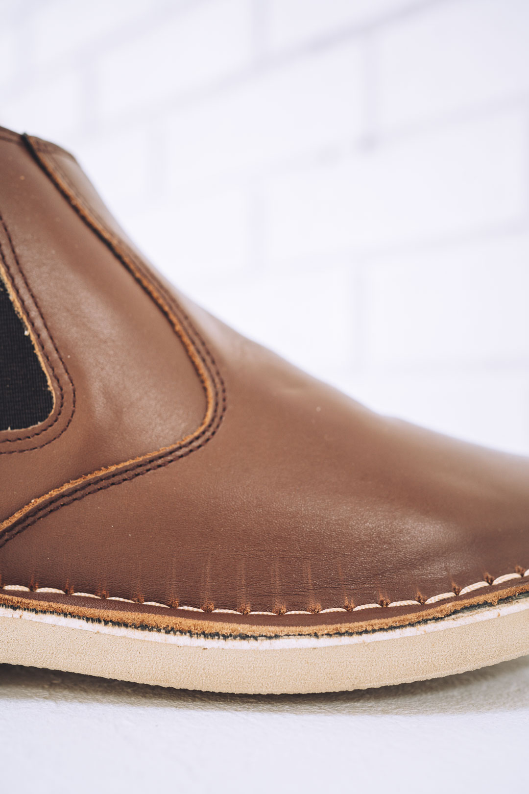 Leather chelsea boot with needle marks